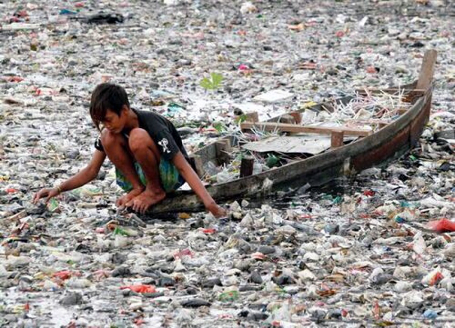 Plastic is killing the ocean